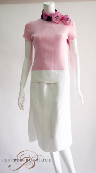 d94e44a60b4e5f CHANEL Pink Sleeveless Turtleneck Cashmere Top with Wrist Knit Band ...